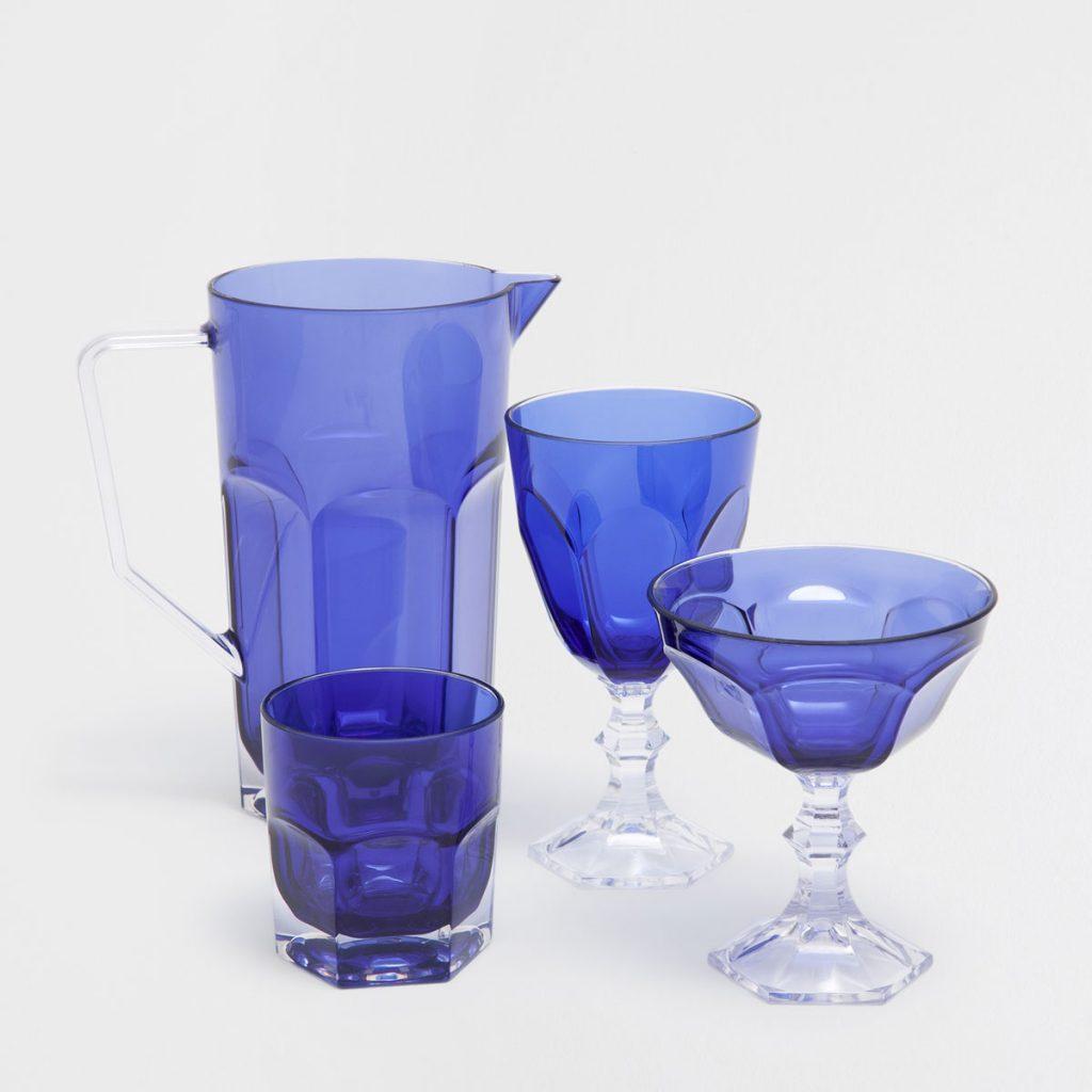 copas y jarra de acrilicos